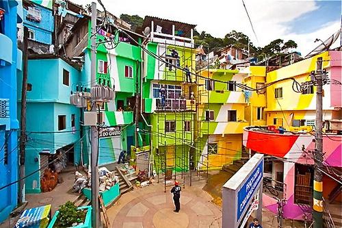 favela pintar fachadas brasil diseño social
